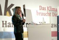 VDW Geschäftsführerin Maria Reinisch beim öffentlichen Gesprächsforum von KU und VDW im Rahmen der Hamburger Klimawoche 2019